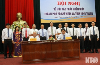 Conference economic development cooperation - between TP society. Ho Chi Minh City and Ninh Thuan
